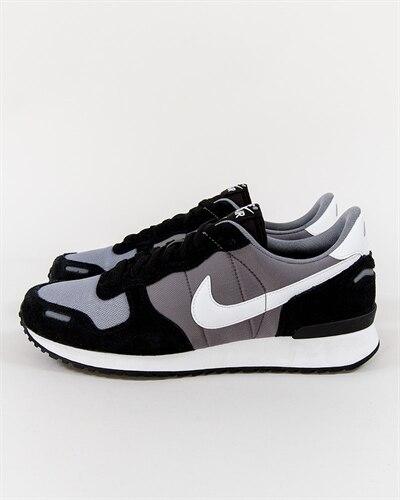competitive price 9bdf4 b42c4 REA   Sneakers   Skor   Kläder - Footish.se