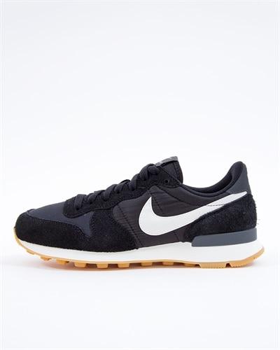 official photos d767b d923b Nike Wmns Internationalist