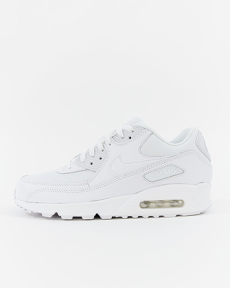 new concept ffe34 1f4b7 Nike Air Max 90 Essential   537384-111   White   Sneakers   Skor ...