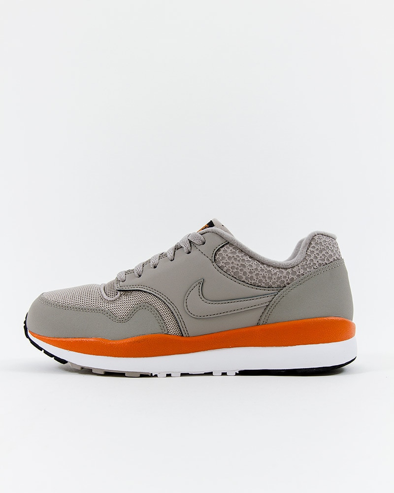 low priced 8ce9d ab623 Nike Air Safari - 371740-007 - Gray - Footish  If you re into sneakers
