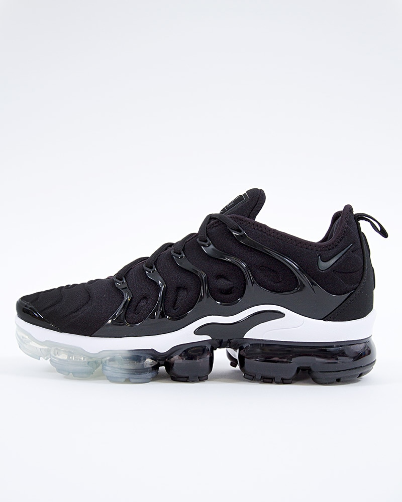 check out 8cb73 7dfb8 Nike Air Vapormax Plus   924453-010   Svart   Sneakers   Skor   Footish