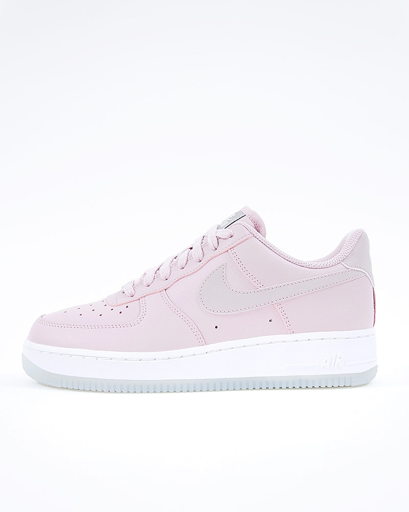 new styles 5add4 2ba04 Nike Wmns Air Force 1 07 Essential