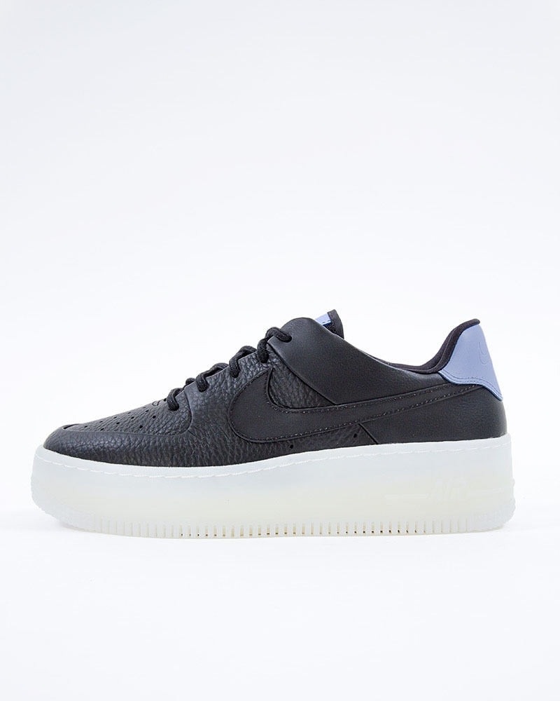 outlet store ffe62 4e8bc Nike Wmns Air Force 1 Sage Low LX