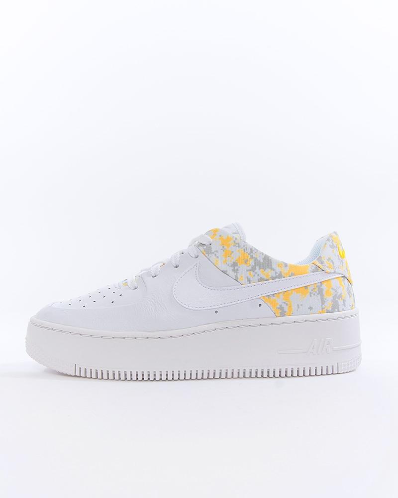 Nike Wmns Air Force 1 Sage Low   Vit   Sneakers   AR5339 100