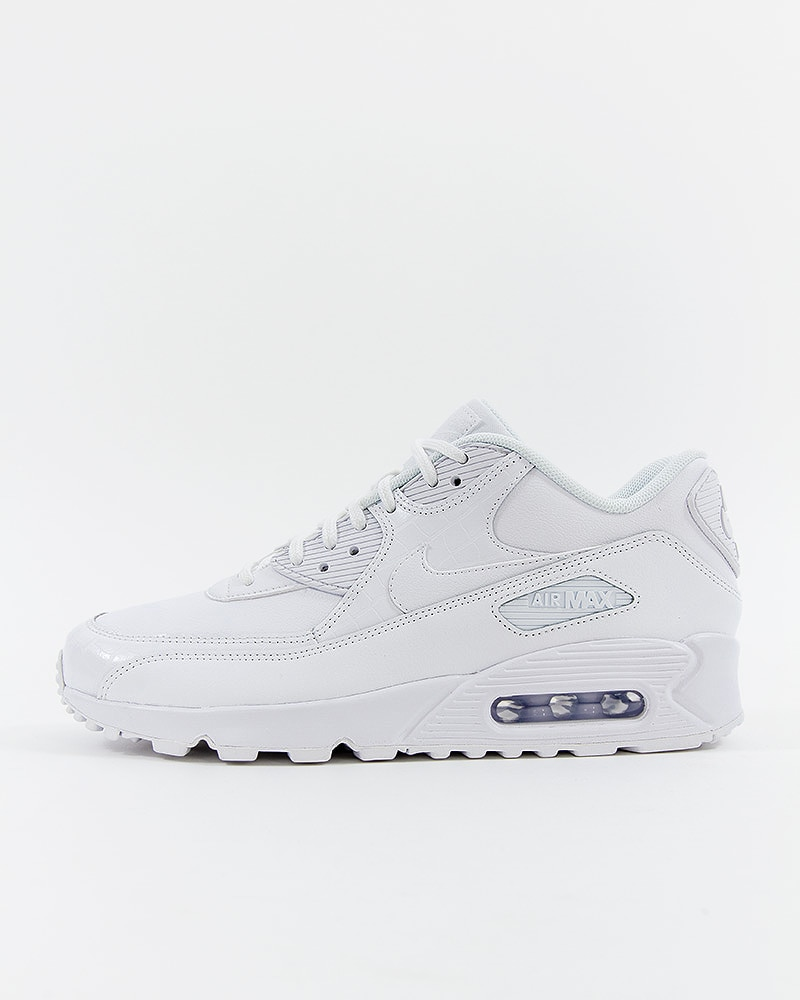best service 25360 e57ce Nike Wmns Air Max 90 - 325213-133 - Vit - Footish  If you´re into ...