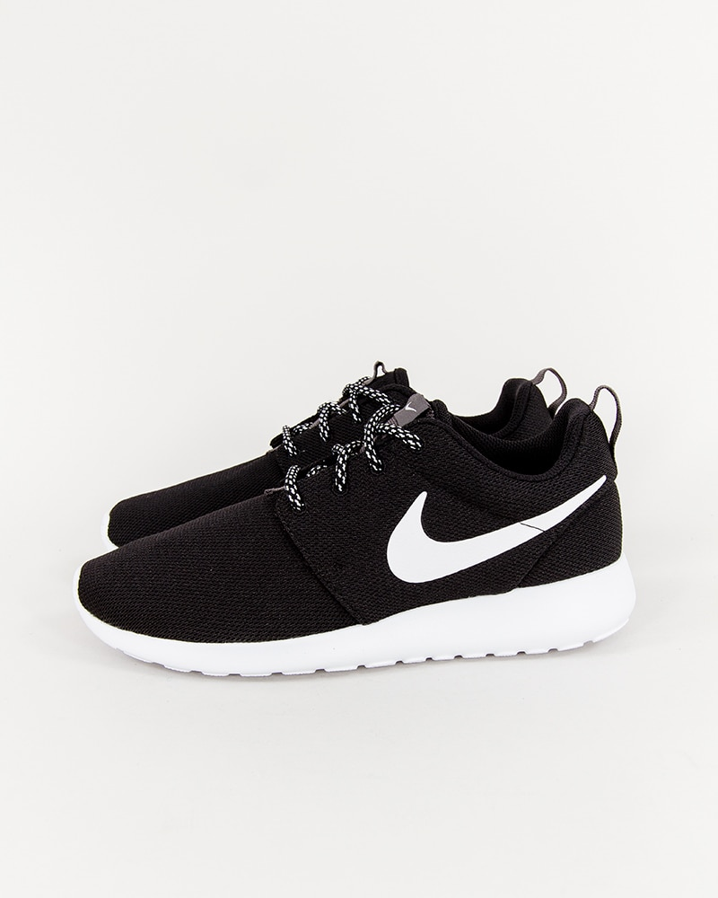 best website 57115 e6025 Nike Wmns Roshe One - 844994-002 - Footish  If you´re into sneakers